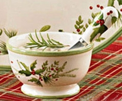 Holly & Ivy Dip Bowl with Spreader