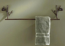 Pine Lodge Towel Bar
