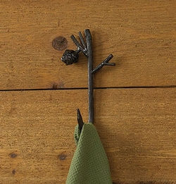Pinecone Lodge Single Hook