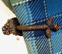 Lodgepole Pine Cone Drapery Hook