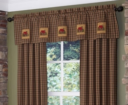 Cabin Patch Lined Valance